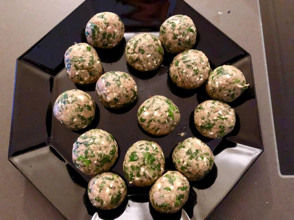 Kippengehaktballetjes met spinazie en feta