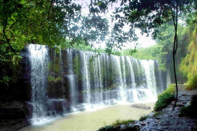 Air Terjun Temam 2 yang menjadi salah satu lokasi wisata di Lubuklinggau. Kredit: Wisatalingganta.blogspot.com