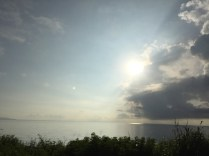 Matahari di sepanjang jalan menuju Halmahera Utara. Kredit: Avivah Yamani
