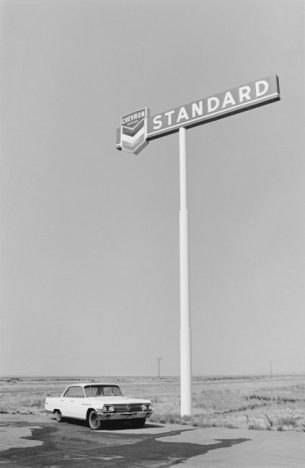 1-California, 1969 - Fotoserie Standard - (c)Henry Wessel