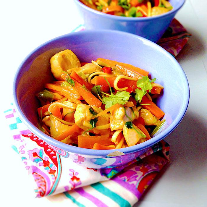 asian chicken/ Азиатски нудълс с пиле и джинджифил рецепта