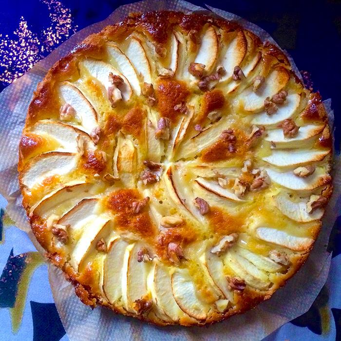 Apple Cake / Ябълков Кейк с Марципан рецепта