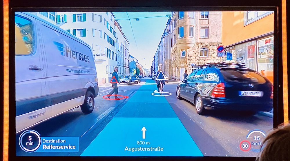 AR View in the autonomous shuttle