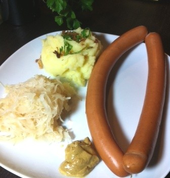 hessen at its best sauerkraut kartoffelbrei und frankfurter w rstchen germanabendbrot. Black Bedroom Furniture Sets. Home Design Ideas