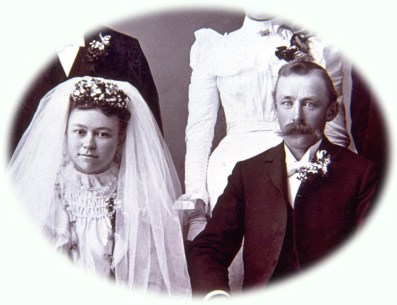 Fig 060 0055 Wedding Wm Lueder & Augusta Nieman November 5, 1899 vignt
