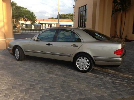 1997 mercedes benz e320 with 30 000 miles german cars for sale blog. Black Bedroom Furniture Sets. Home Design Ideas