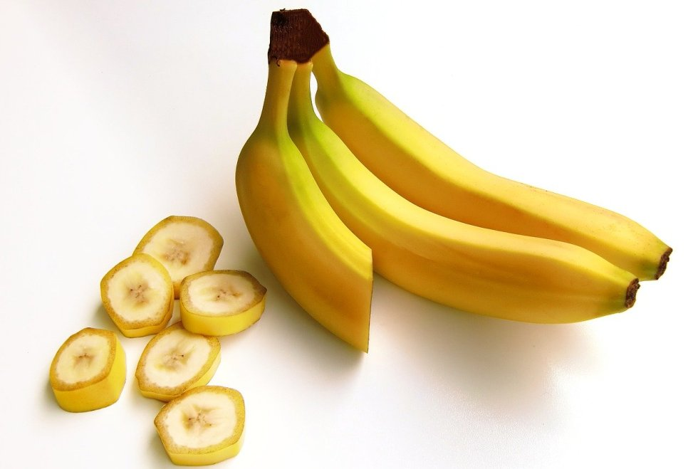 Can german shepherds eat bananas