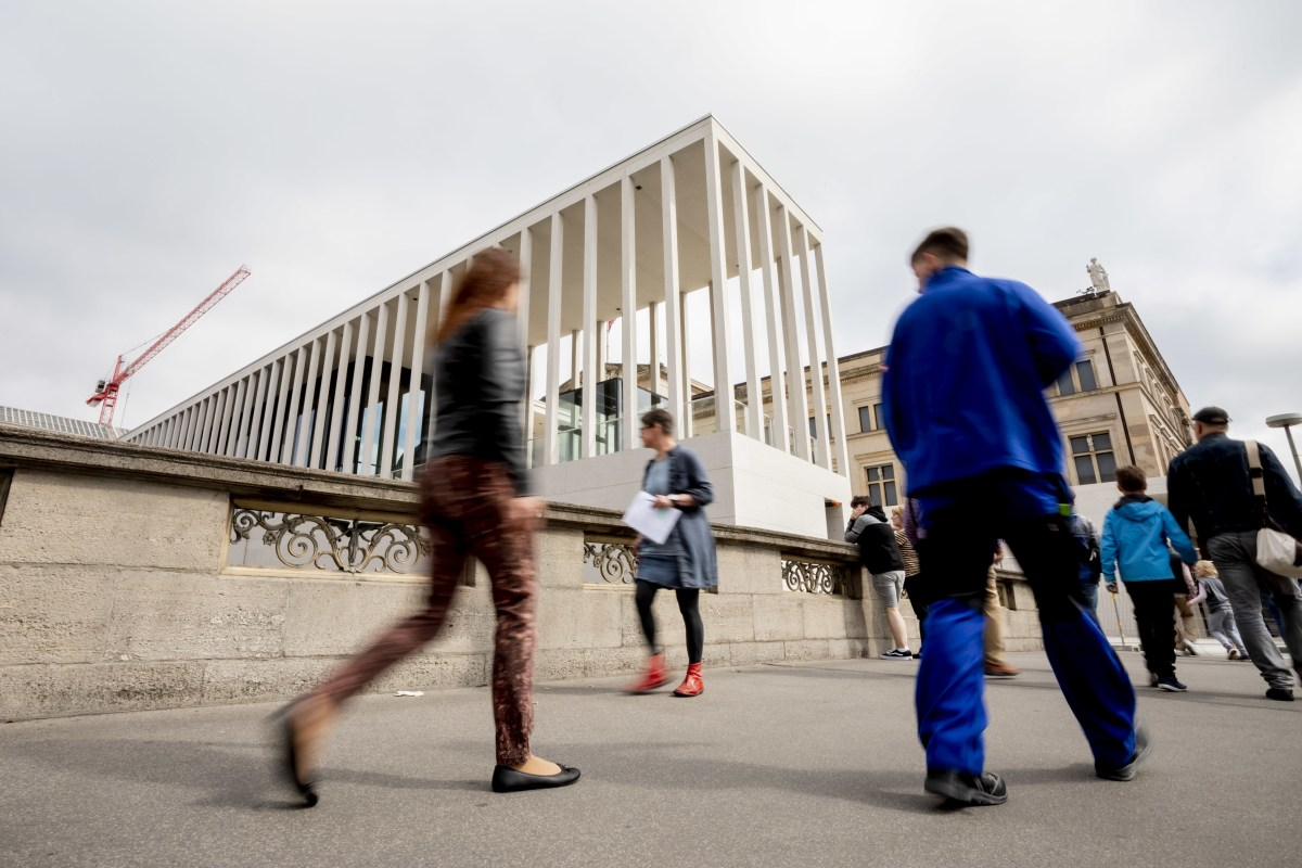 Berlin opens highly awaited bridge to Museum Island