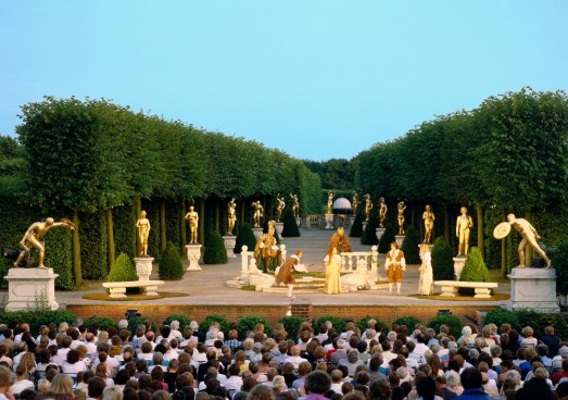 The Royal Gardens at Herrenhausen host Garden Theatre festival