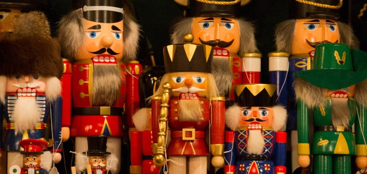 Nutcrackers galore, dominated by the Red King