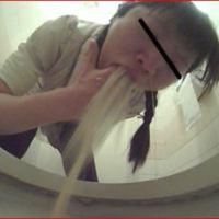 居酒屋トイレは女の子のゲロの宝庫です☆