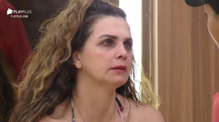 Prestes a voltar para A Fazenda, Luiza Ambiel lamentou nas redes sociais a morte do pai (Foto: Reprodução)