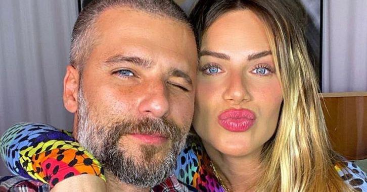 Bruno Gagliasso e Giovanna Ewbank babam seu filho caçula, Zyan (Foto: Reprodução)