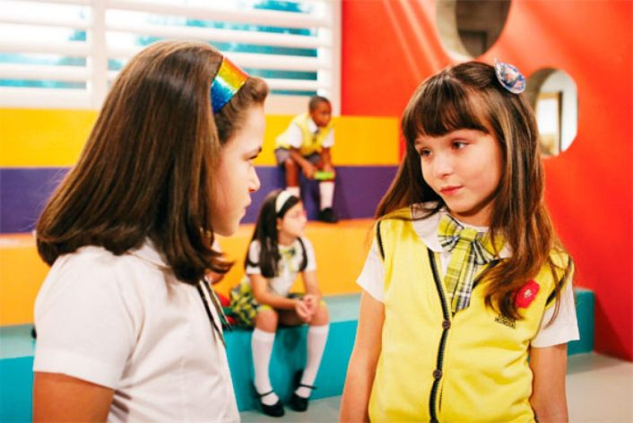 Valéria (Maisa Silva) e Maria Joaquina (Larissa Manoela) em Carrossel, do SBT (Foto: Reprodução)