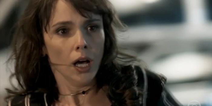 Irene (Débora Falabella) ficará desesperada após quase ser atropelada em A Força do Querer (Foto: Reprodução/Globo)