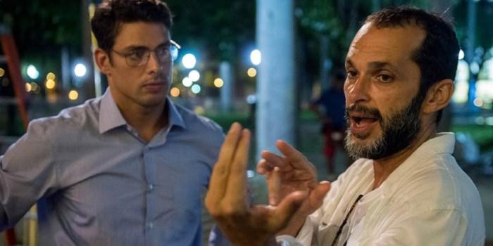 José Luiz Villamarim dirige Cauã Reymond na série Justiça; diretor é o novo chefão da dramaturgia da Globo (Foto: Estevam Avellar/Globo)