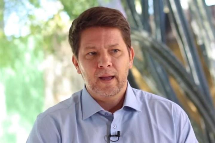 Mario Farias, secretário de Bolsonaro, sofre princípio de infarto e passa por cateterismo