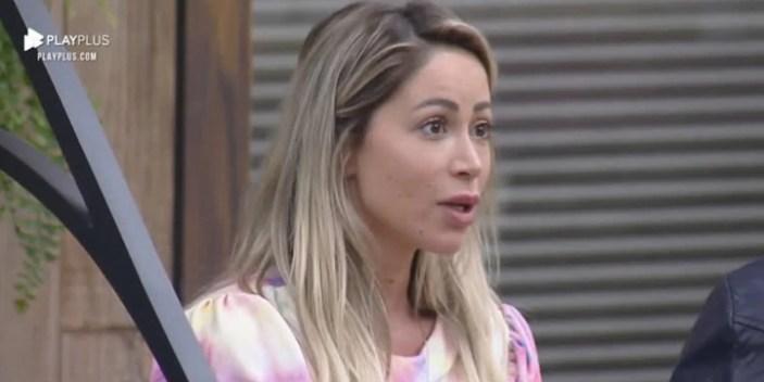 Carol Narizinho em A Fazenda (Foto: Reprodução)