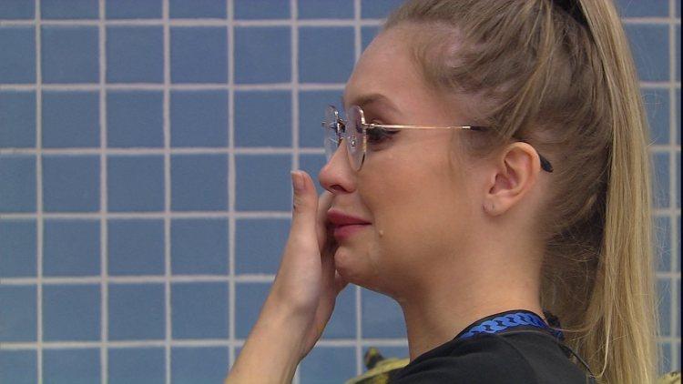 Carla Diaz chorando no BBB21 (Foto: Reprodução)