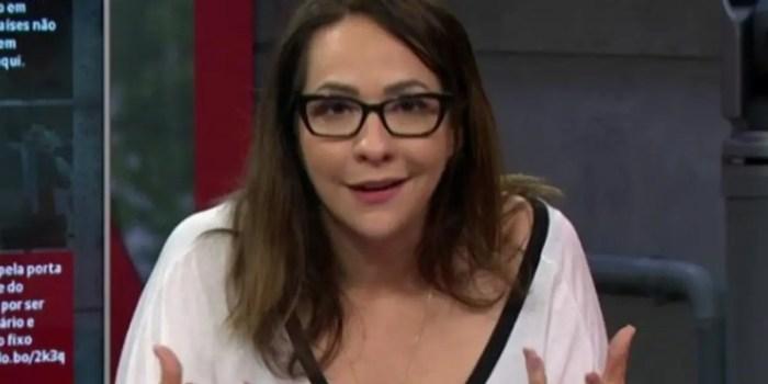 Maria Beltrão no comando do Estúdio i, na Globo News; apresentadora falou sobre a mãe (Foto: Reprodução/Globo News)