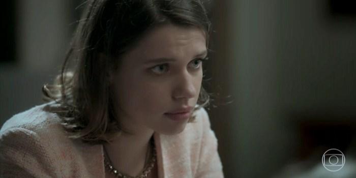 Cibele (Bruna Linzmeyer) mostra exame de DNA para Ruy (Fiuk) em A Força do Querer (Foto: Reprodução/TV Globo)