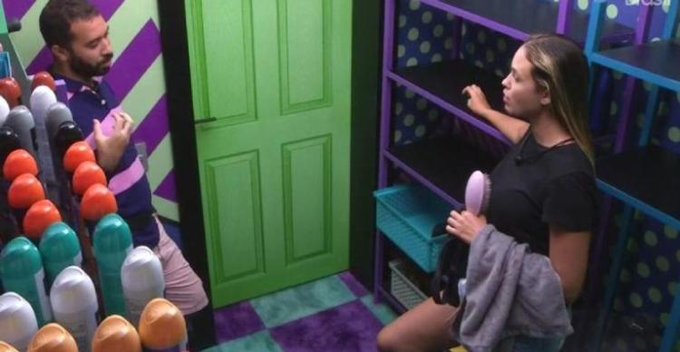 BBB21: Sarah e Gil comentam sobre sister paraibana (Foto: Reprodução)
