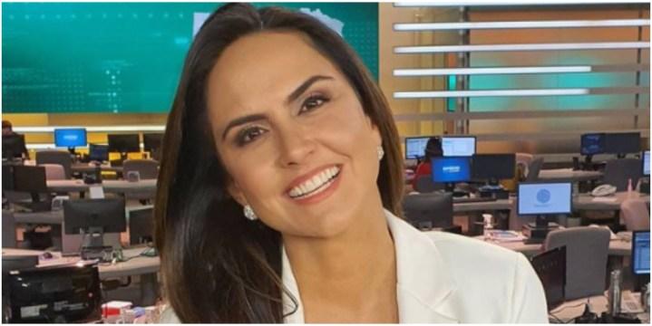 Carla Cecato comemorou a oportunidade de voltar a Record após enfrentar doença(Foto: Reprodução)
