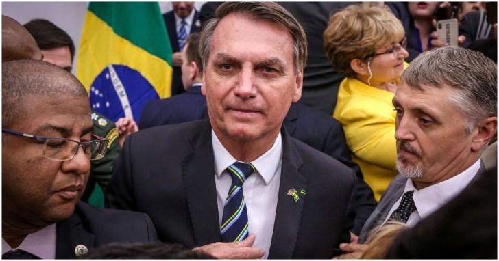 Presidente Jair Bolsonaro ofende jornalista ao vivo