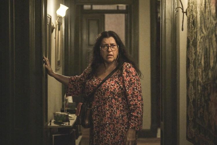Lurdes, interpretada por Regina Casé (Foto: Reprodução)
