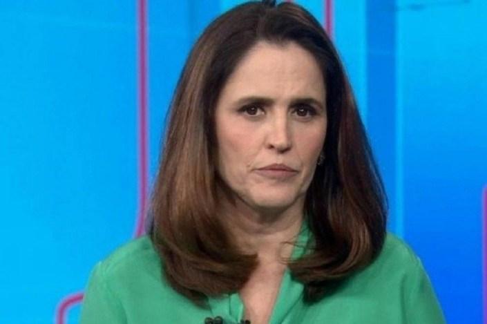Ana Luíza apresentou o plantão na Globo sobre Bolsonaro (Foto: Reprodução)