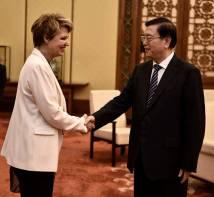 Με τον πρόεδρο του Εθνικού Λαϊκού Κογκρέσου Ζανγκ Ντετζιάνγκ