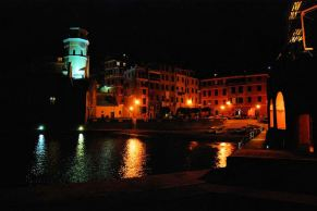 Vernazza night 6