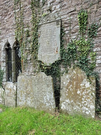 cwmyoy-church-4