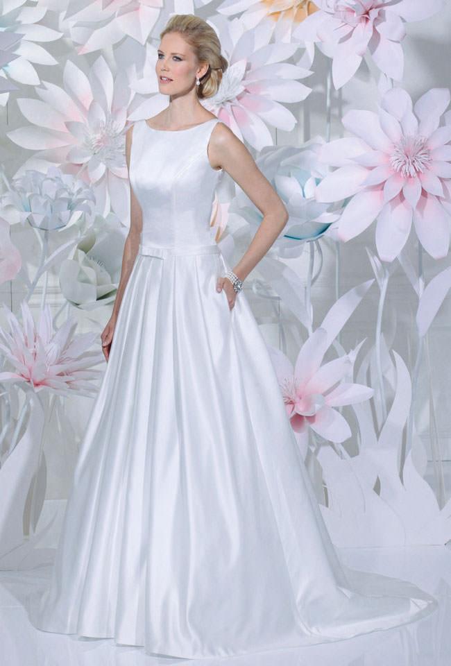 Brautkleidschlicht  Gerrys Brautmoden und Festmoden  Neuss bei Dsseldorf