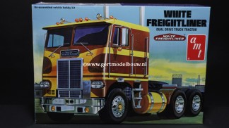 AMT 620 White Freightliner