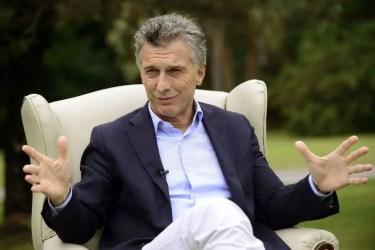 Mauricio Macri im Garten seines Landsitzes; Quelle: www.perfil.com