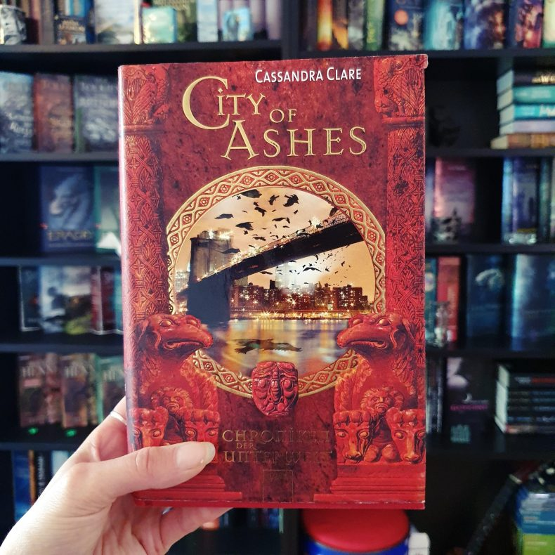 Cover von City of Ashes