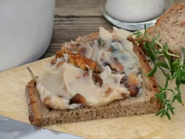 Brot mit Grammelschmalz