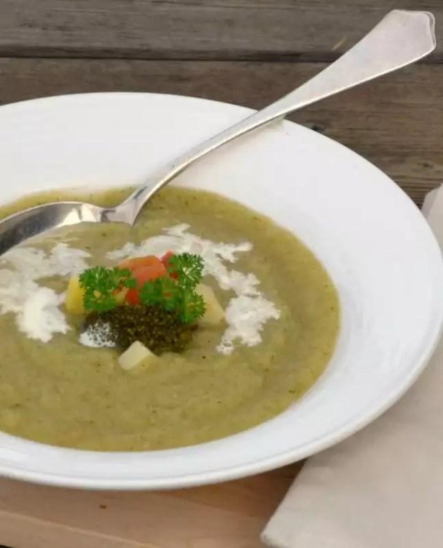 Suppe aus Herbstgemüse