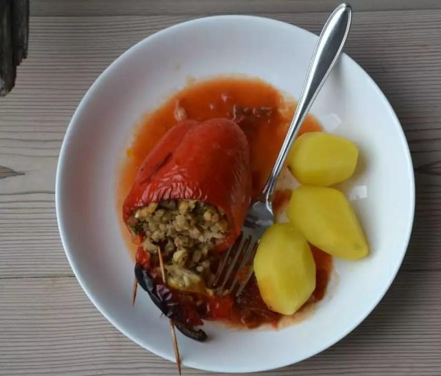 vegetarische, gefüllte Paprika mit Dinkelreis
