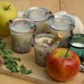 Apfelschmalz in Gläsern