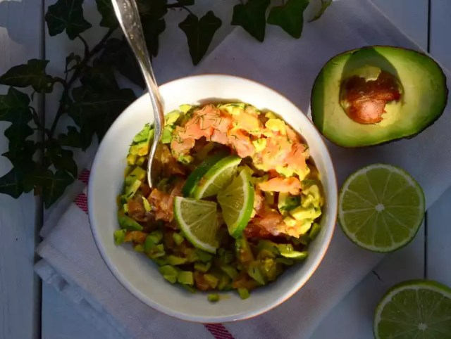 Tatar vom Biolachs mit Avocado