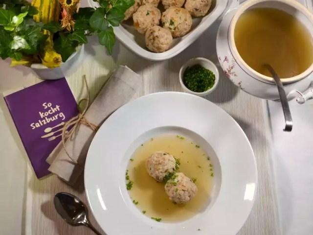 Gamssuppe mit Pilzknöderl Landgasthof Santner So kocht Salzburg