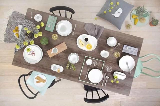 Kahla Porzellan auf Holztisch