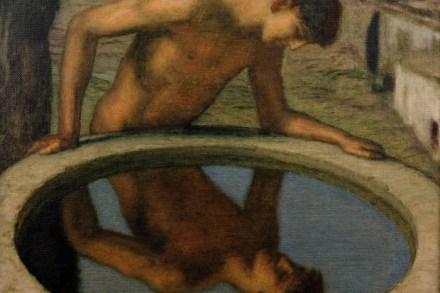 Narziss, der schöne Sohn des Flussgottes Kephisos und der Leiriope, verliebt sich in sein eigenes Spiegelbild