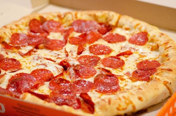 Pizza und weitere Fertigessen