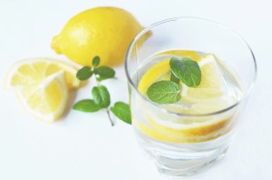 water-drink-fresh-lemons