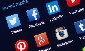 Social media, facebook chat