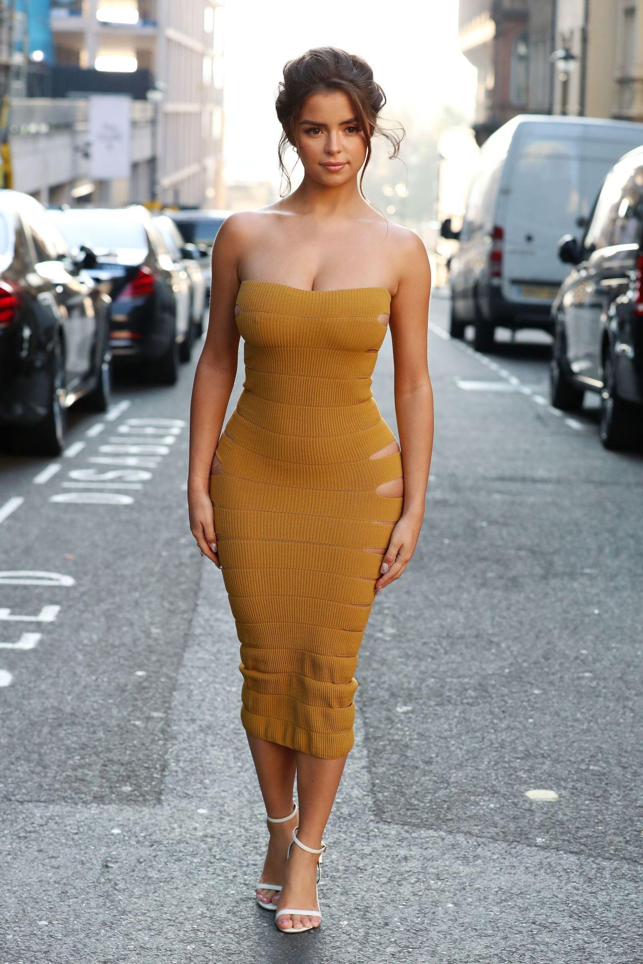 Car Wallpapers Netcarshow Wallpaper Demi Rose Mawby Model Curvy Bare Shoulders