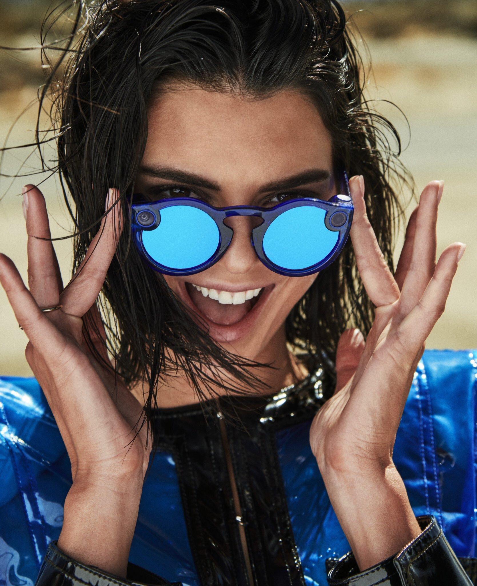 She is the model right now. Fondos De Pantalla Kendall Jenner Mujer Morena Mujeres Con Sombras Cabello Corto Mirando Al Espectador Retrato Modelo 1669x2048 Vfgx 1658505 Fondos De Pantalla Wallhere